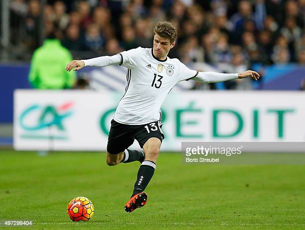 Thomas Mueller of Germany runs with the ball during the International Friendly match between France and Germany at the Stade de France on November 13...