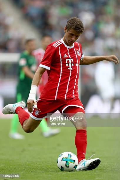 Thomas Mueller of Muenchen runs with the ball during the Telekom Cup 2017 Final between SV Werder Bremen and FC Bayern Muenchen at Borussia Park on...