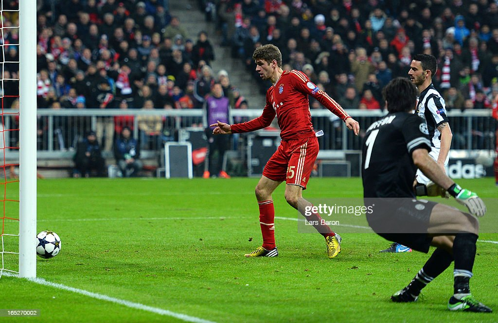 Thomas Muller #25 of FC Bayern Muenchen scores his team's second goal during the UEFA Champions League quarter final first leg match between FC Bayern Muenchen and Juventus at Allianz Arena on April 2, 2013 in Munich, Germany.