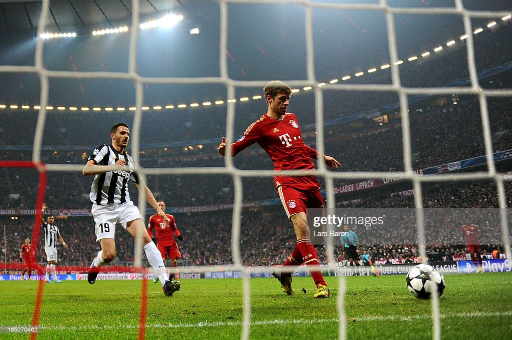 Thomas Muller of FC Bayern Muenchen scores his team's second goal during the UEFA Champions League quarter final first leg match between FC Bayern Muenchen and Juventus at Allianz Arena on April 2, 2013 in Munich, Germany.