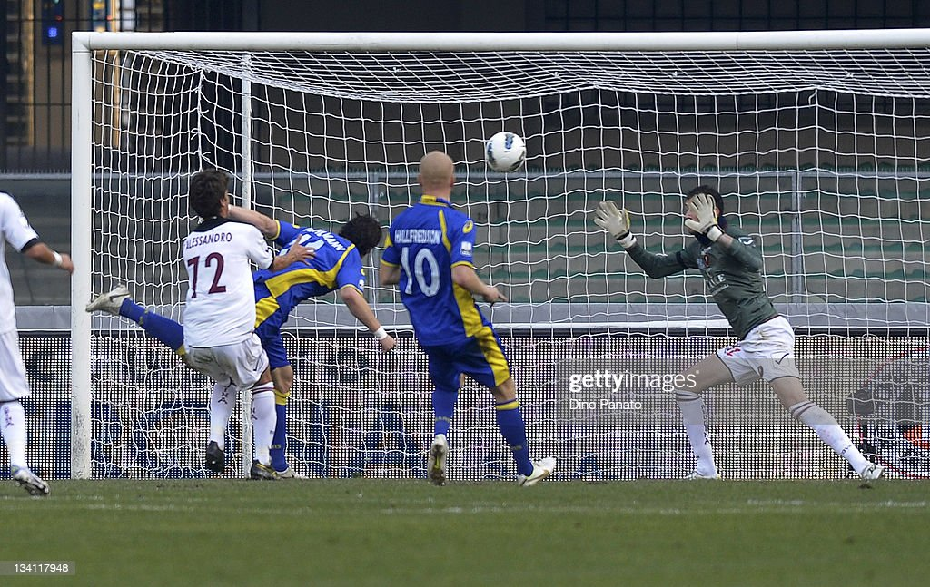 Thomas Pichlmann of Hellas Verona scores the opening goal past goalkeeper Pietro Marino of Reggina Calcio during the Serie B match between Hellas...