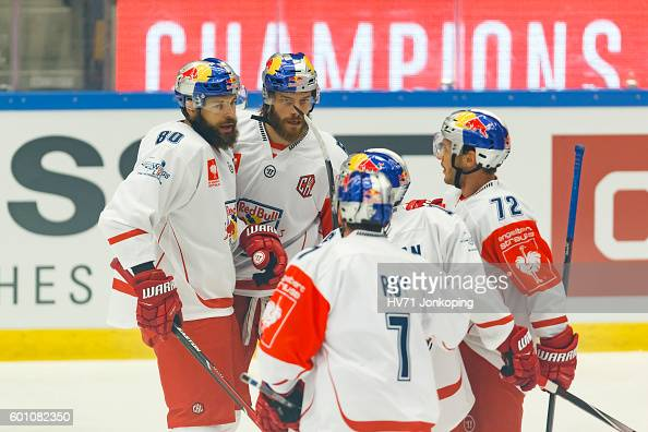 Thomas Raffl of Red Bull Salzburg celebrates goal 01 together with his teammates during the Champions Hockey League match between HV71 Jonkoping and...