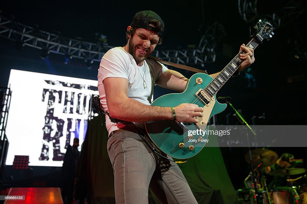 <a gi-track='captionPersonalityLinkClicked' href=/galleries/search?phrase=Thomas+Rhett&family=editorial&specificpeople=9092574 ng-click='$event.stopPropagation()'>Thomas Rhett</a> performs onstage at Bankers Life Fieldhouse on February 15, 2014 in Indianapolis, Indiana.