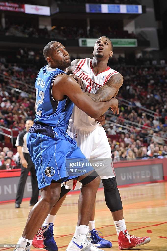 Thomas Robinson #0 of the Houston Rockets fights for position against <a gi-track='captionPersonalityLinkClicked' href=/galleries/search?phrase=Elton+Brand&family=editorial&specificpeople=201501 ng-click='$event.stopPropagation()'>Elton Brand</a> #42 of the Dallas Mavericks on March 3, 2013 at the Toyota Center in Houston, Texas.