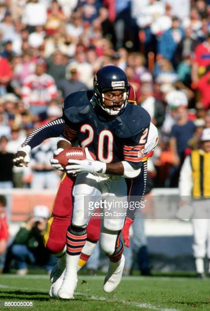 Thomas Sanders of the Chicago Bears carries the ball against the Washington Redskins during an NFL football game November 13 1988 at RFK Stadium in...