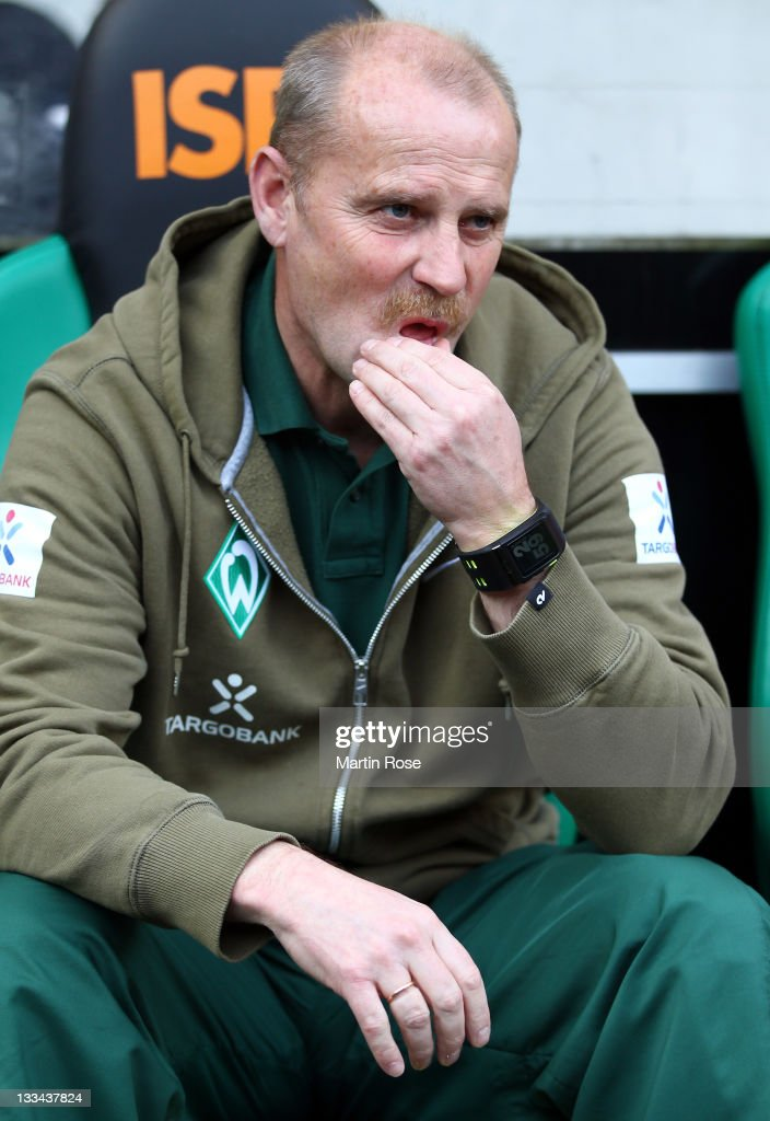 <a gi-track='captionPersonalityLinkClicked' href=/galleries/search?phrase=Thomas+Schaaf&family=editorial&specificpeople=216597 ng-click='$event.stopPropagation()'>Thomas Schaaf</a>, head coach of Bremen reacts before the Bundesliga match between Borussia Moenchengladbach and SV Werder Bremen at Borussia Park on November 19, 2011 in Moenchengladbach, Germany.