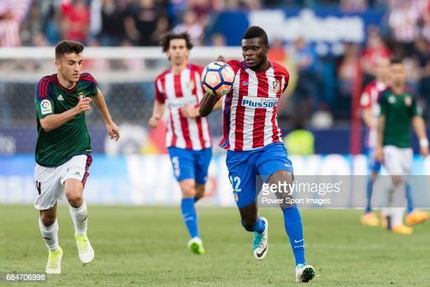 Thomas Teye Partey of Atletico de Madrid in action during the La Liga match between Atletico de Madrid vs Osasuna at Estadio Vicente Calderon on 15...