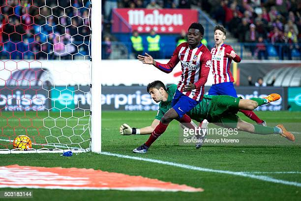 Thomas Teye Partey of Atletico de Madrid scores their opening goal during the La Liga match between Club Atletico de Madrid and Levante UD at Vicente...