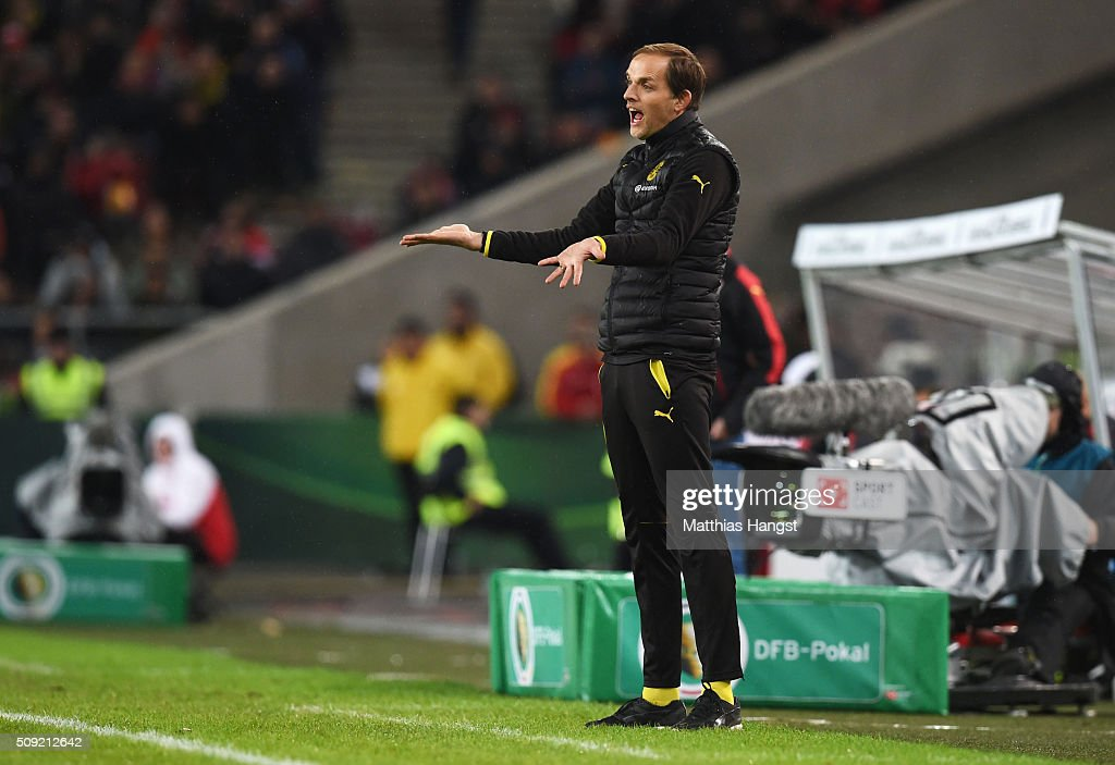 <a gi-track='captionPersonalityLinkClicked' href=/galleries/search?phrase=Thomas+Tuchel&family=editorial&specificpeople=5927236 ng-click='$event.stopPropagation()'>Thomas Tuchel</a> manager of Borussia Dortmund gives instructions during the DFB Cup Quarter Final match between VfB Stuttgart and Borussia Dortmund at Mercedes-Benz Arena on February 9, 2016 in Stuttgart, Germany.