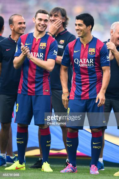 Thomas Vermaelen and Luis Suarez of FC Barcelona shares a joke during the official presentation of the FC Barcelona prior to the Joan Gamper Trophy...