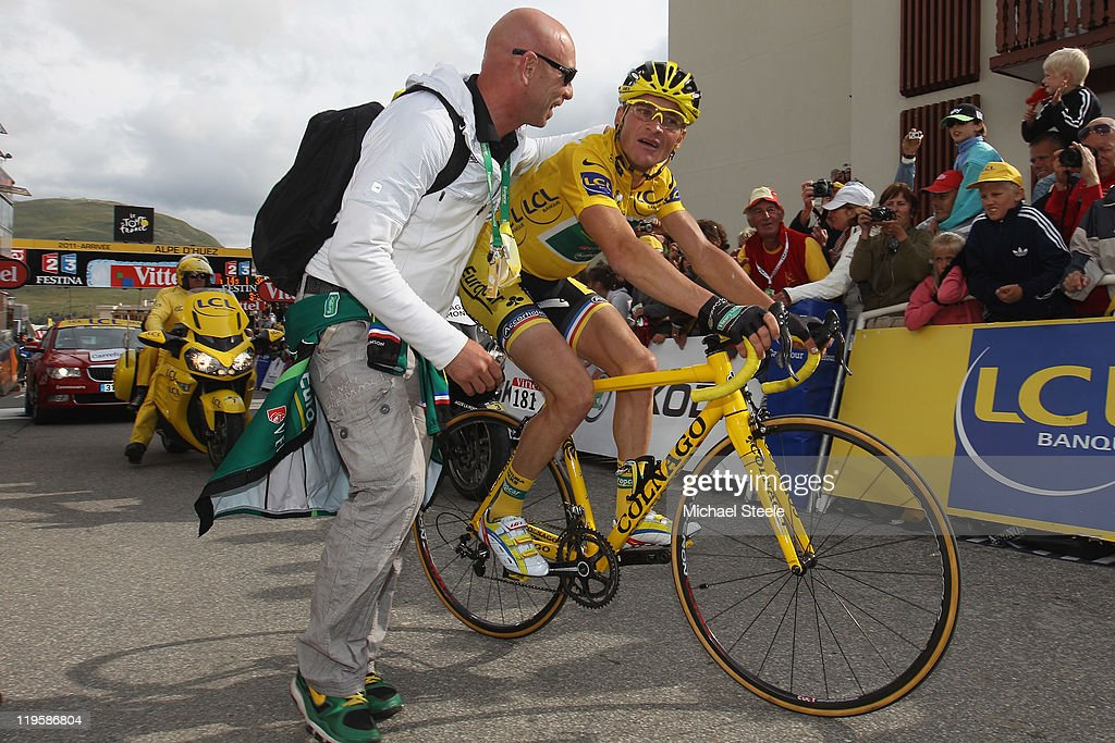<a gi-track='captionPersonalityLinkClicked' href=/galleries/search?phrase=Thomas+Voeckler&family=editorial&specificpeople=212948 ng-click='$event.stopPropagation()'>Thomas Voeckler</a> (R) of France and Team Europcar hears that he has failed to retain the race leaders yellow jersey after crossing the finishing line during Stage 19 of the 2011 Tour de France from Modane to Alpe d'Huez on July 22, 2011 in Alpe d'Huez, France.