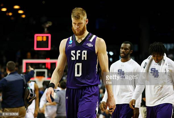 Thomas Walkup of the Stephen F Austin Lumberjacks reacts to their 75 to 76 loss to the Notre Dame Fighting Irish during the second round of the 2016...