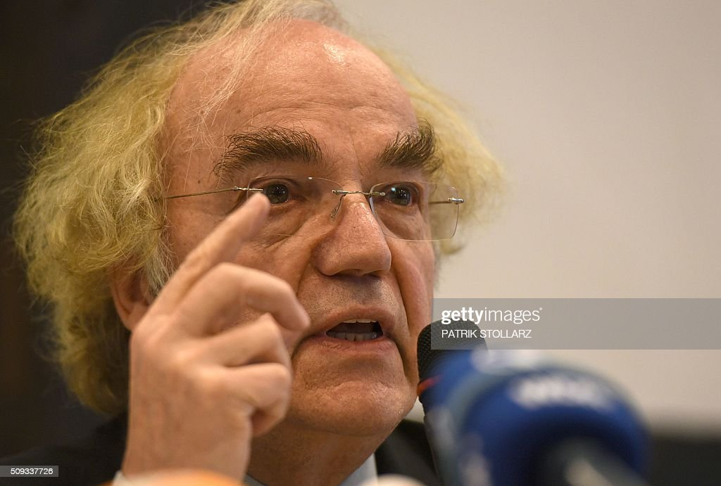 Thomas Walther, lawyer of former prisoners of Auschwitz extermination camp speaks during a press conference in Detmold, western Germany, on February 10, 2016 ahead of a trial of a former SS man Reinhold Hanning. Reinhold Hanning, 93, faces court in the western town of Detmold from Thursday, charged with at least 170,000 counts of accessory to murder in his role as a former guard at the camp in occupied Poland. / AFP / PATRIK STOLLARZ