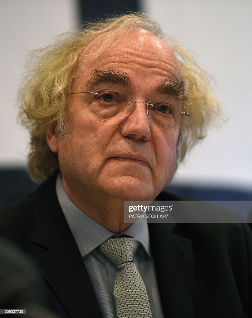 Thomas Walther, lawyer of former prisoners of Auschwitz extermination attends a press conference in Detmold, western Germany, on February 10, 2016 ahead of a trial of a former SS man Reinhold Hanning. Reinhold Hanning, 93, faces court in the western town of Detmold from Thursday, charged with at least 170,000 counts of accessory to murder in his role as a former guard at the camp in occupied Poland. / AFP / PATRIK STOLLARZ