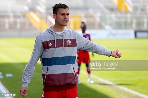 Thomas Woerle head coach of FC Bayern Muenchen looks on during the Allianz FrauenBundesliga match between FC Bayern Muenchen and SGS Essen at Stadion...