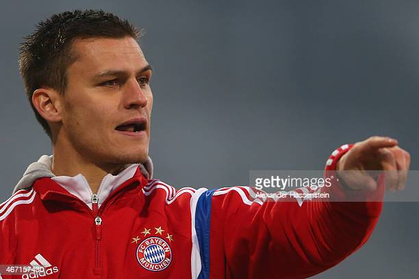 Thomas Woerle head coach of Muenchen reacts during the Allianz FrauenBundesliga match between FC Bayern Muenchen and Turbine Potsdam at Stadion an...