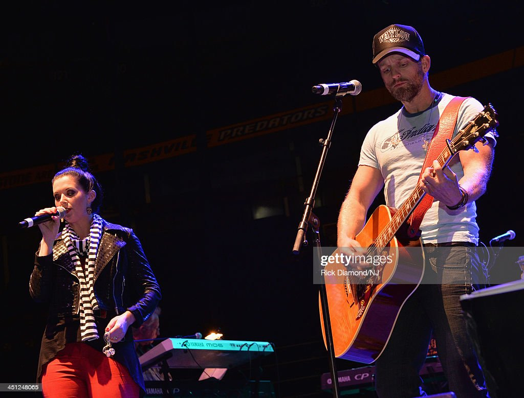Thompson Square performs during rehearsals of Playin' Possum! The Final No Show Tribute To George Jones at Bridgestone Arena on November 21, 2013 in Nashville, Tennessee.