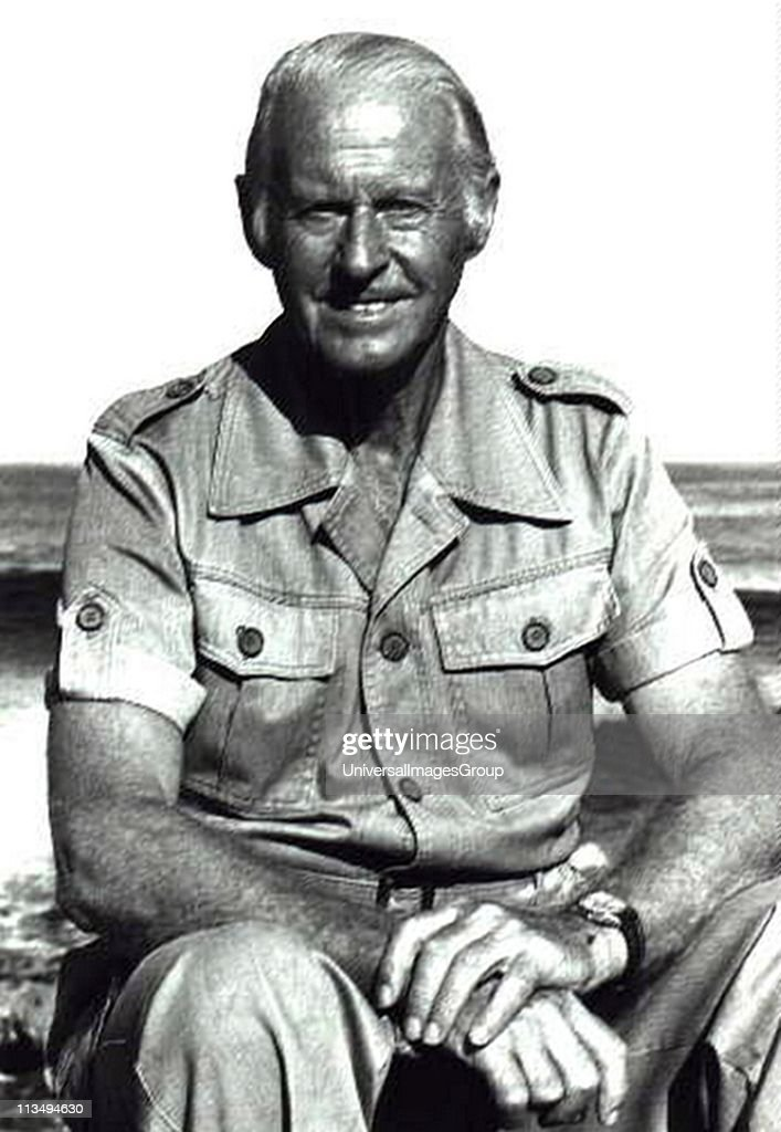 <a gi-track='captionPersonalityLinkClicked' href=/galleries/search?phrase=Thor+Heyerdahl&family=editorial&specificpeople=931459 ng-click='$event.stopPropagation()'>Thor Heyerdahl</a> (1914-2002) Norwegian ethnographer and adventurer.