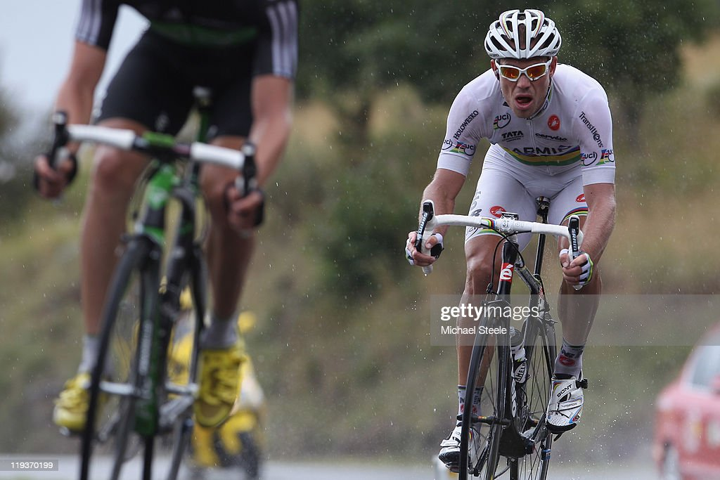 <a gi-track='captionPersonalityLinkClicked' href=/galleries/search?phrase=Thor+Hushovd&family=editorial&specificpeople=534471 ng-click='$event.stopPropagation()'>Thor Hushovd</a> (R) of Norway and Team Garmin-Cervelo keeps a close eye on <a gi-track='captionPersonalityLinkClicked' href=/galleries/search?phrase=Edvald+Boasson+Hagen&family=editorial&specificpeople=4451245 ng-click='$event.stopPropagation()'>Edvald Boasson Hagen</a> (L) of Norway and Sky Procycling team as they descend from Col du Mense during Stage 16 of the 2011 Tour de France from Saint Paul Trois Chateaux to Gap on July 19, 2011 in Gap, France.