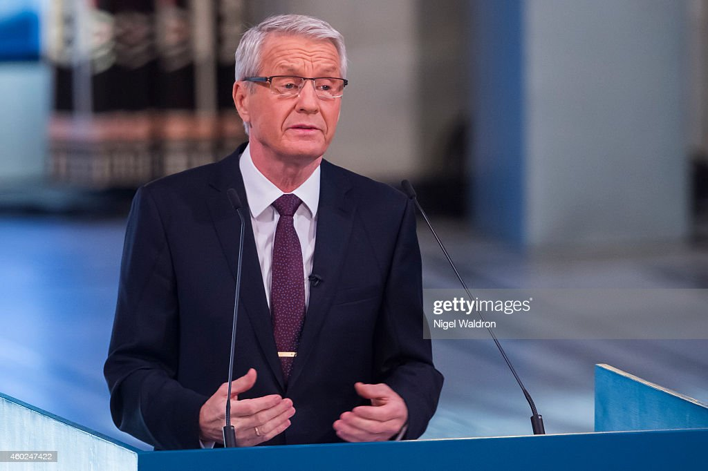 <a gi-track='captionPersonalityLinkClicked' href=/galleries/search?phrase=Thorbjorn+Jagland&family=editorial&specificpeople=862853 ng-click='$event.stopPropagation()'>Thorbjorn Jagland</a> of Norway speaks to the audience and honours this years Nobel Peace Prize winners Kailash Satyarthi and Malala Yousafzai on December 10, 2014 in Oslo, Norway.
