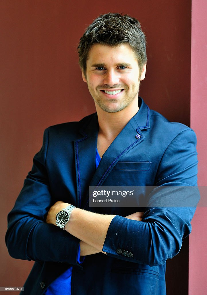 Thore Schoelermann poses prior to the 'Beliebteste Spieler-Frau Deutschlands 2013' Press Reception at Museum Brandhorst on May 27, 2013 in Munich, Germany. Cathy Fischer, girlfriend of Dortmund's defender Mat Hummels, has won the titel as 'Beliebteste Spieler-Frau Deutschlands 2013' ('Germany's most popular player's wife').