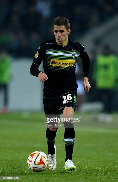 Thorgan Hazard of Borussia Moenchengladbach runs with the ball during the UEFA Europa League Round of 32 second leg match between Borussia...