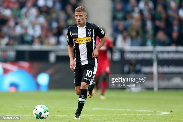 Thorgan Hazard of Mnchengladbach runs with the ball during the Bundesliga match between Borussia Moenchengladbach and 1 FC Koeln at BorussiaPark on...