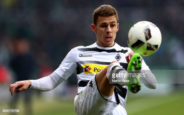 Thorgan Hazard of Moenchengladbach runs with the ball during the Bundesliga match between Werder Bremen and Borussia Moenchengladbach at Weserstadion...