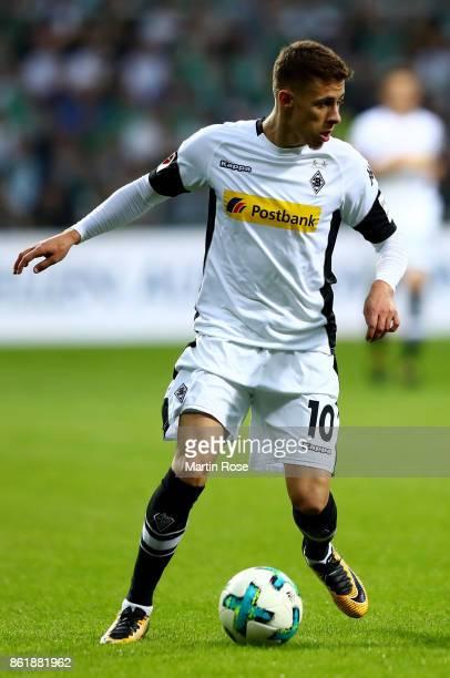 Thorgan Hazard of Moenchengladbach runs with the ball during the Bundesliga match between SV Werder Bremen and Borussia Moenchengladbach at...
