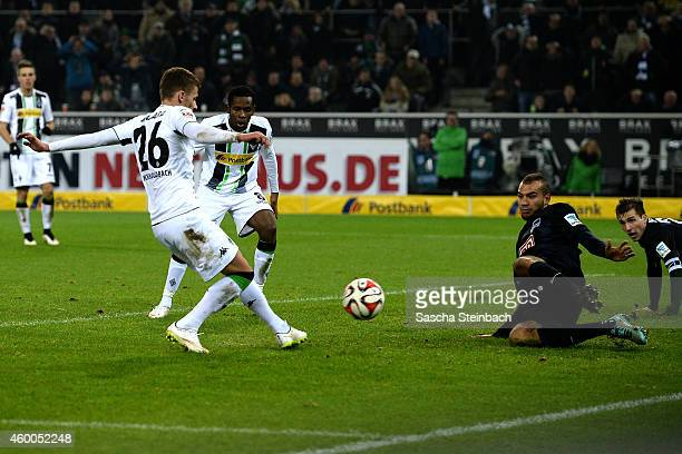 Thorgan Hazard of Moenchengladbach scores his team's third goal during the Bundesliga match between Borussia Moenchengladbach and Hertha BSC Berlin...