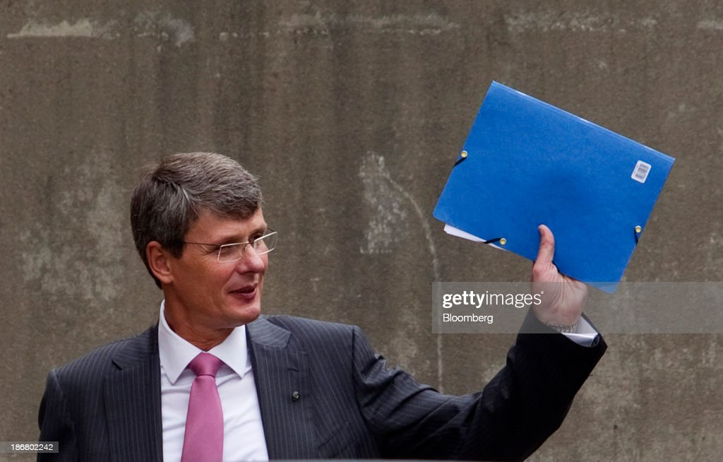 Thorsten Heins chief executive officer of BlackBerry waves while leaving the company's annual general meeting in Waterloo Ontario Canada on Tuesday...