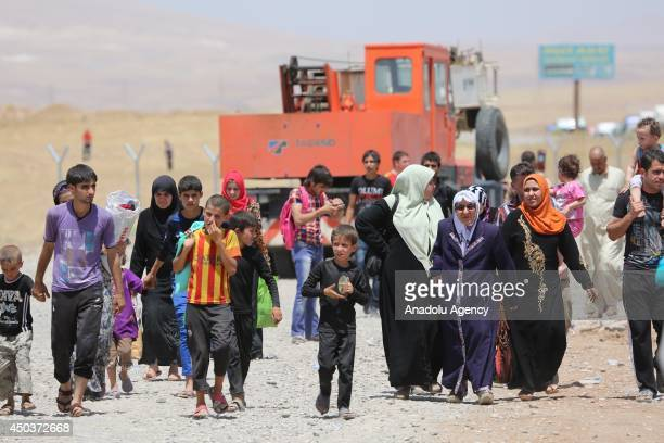 Thousand of people run away from Mosul to Arbil and Duhok due to the clashes between security forces and militants of Islamic State of Iraq and the...