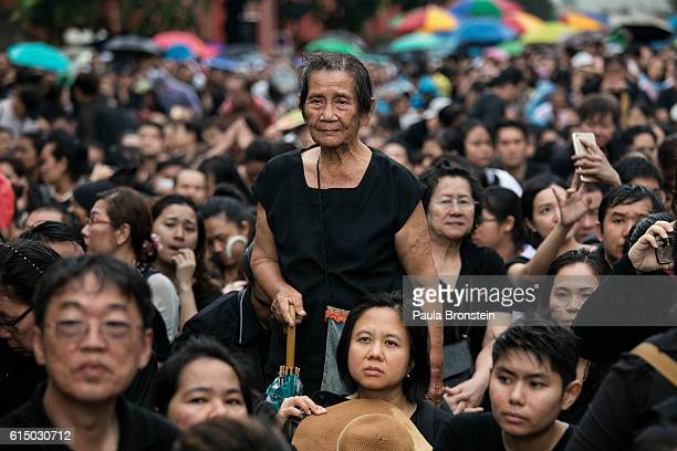 Thousands of Thai wait to enter the Grand Palace on October 16 2016 in Bangkok Thailand Thailand's King Bhumibol Adulyadej the world's...