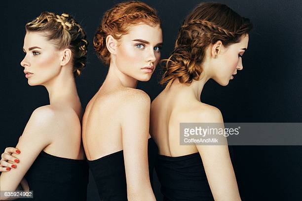 Tres hermosas chicas con maquillaje natural