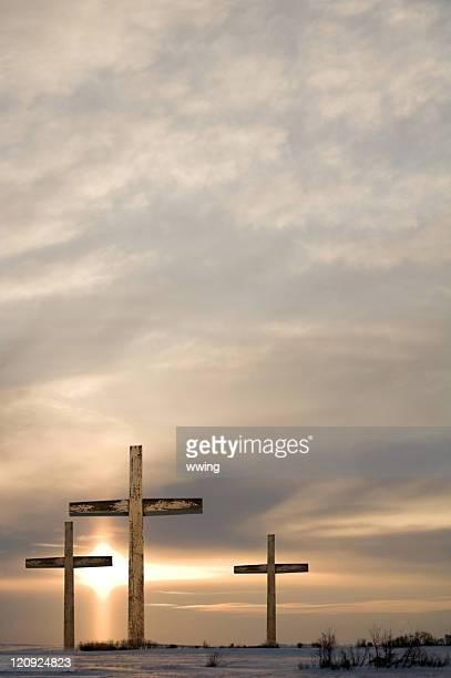 Drei Kreuze und Dramatischer Himmel