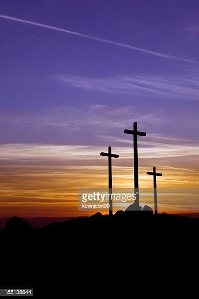 Trois Croix au coucher du soleil
