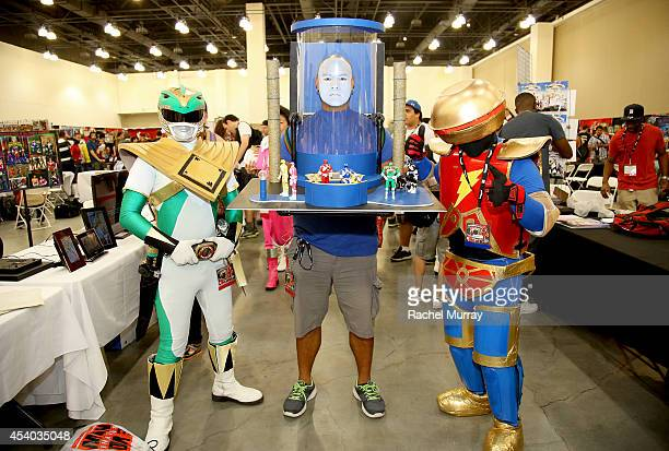 Three dedicated Power Rangers fans attended Power Morphicon today and dressed up as the legendary Tommy Oliver Alpha 5 and Zordon in the Command...