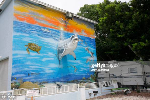 A three dimensional mural on the side of a building in Key Largo