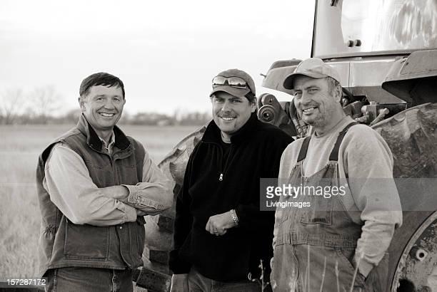 Drei Generationen von Landwirten. Black & Weiß