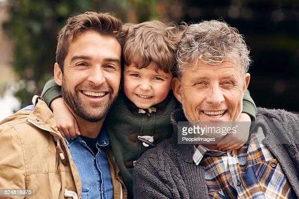 Trois générations de garçons