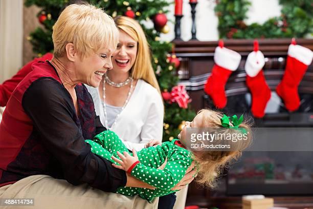 De tres generaciones juntos en Navidad