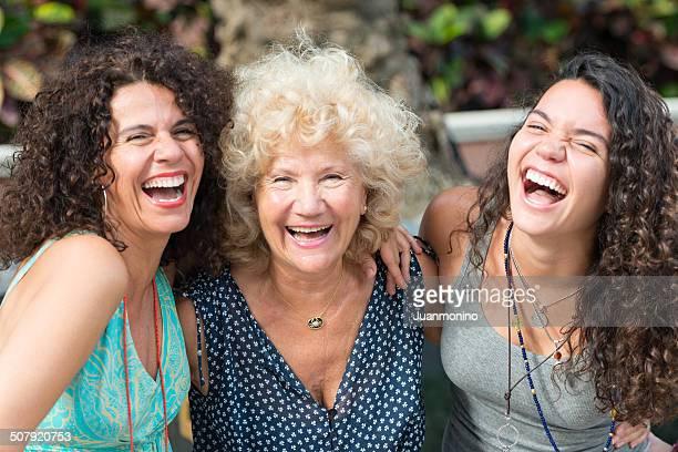 Drei Generationen von Frauen