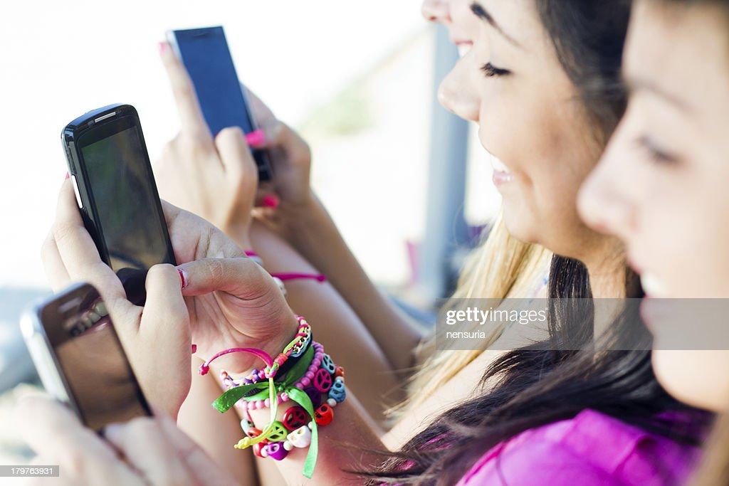 Internet dating addiction