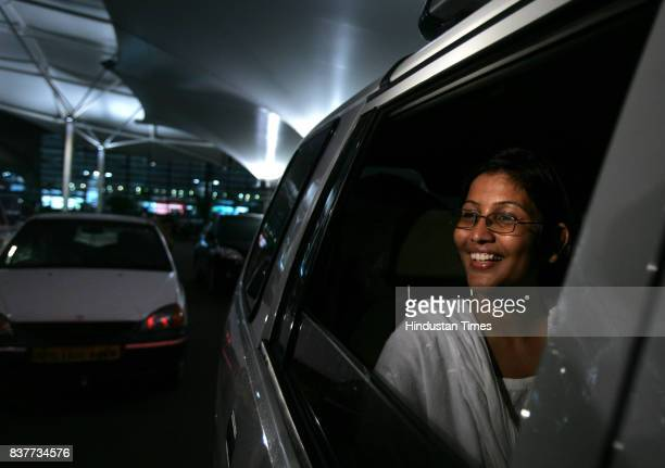 Three month pregnant Asha Patil returns home from Pakistan after the demise of her husband Khalid Choudhary