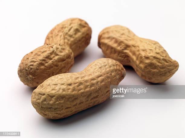 Drei Erdnüsse