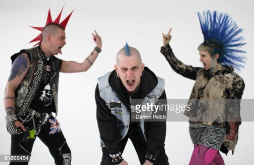 Three Punk Rockers, screaming