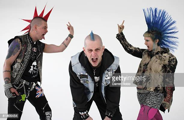 Three Punk Rockers, screaming