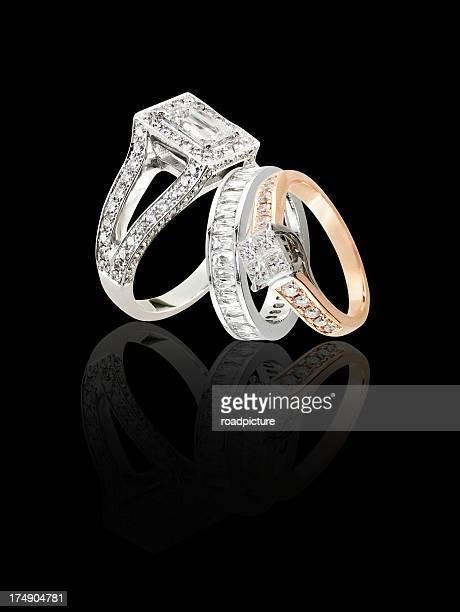 Trois anneaux sur un blackbackground