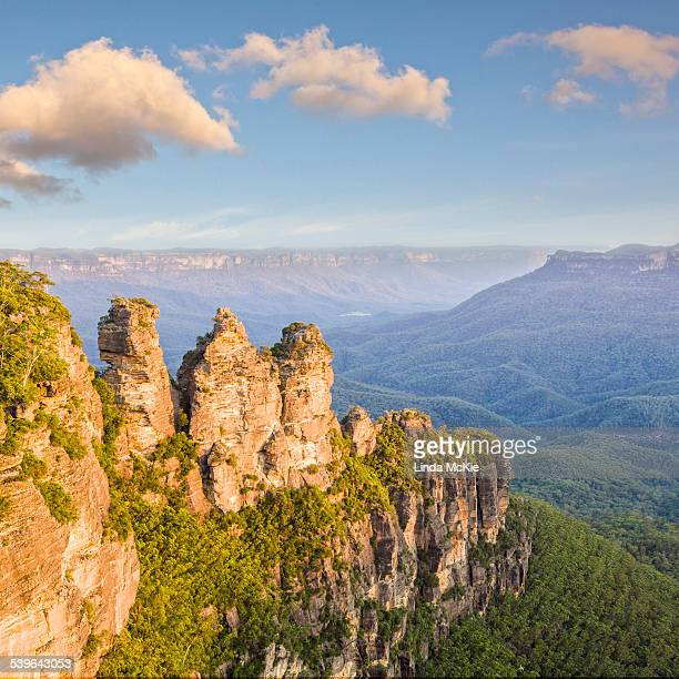 Three Sisters rock formation at Katoomba in the Blue Mountains, Katoomba, New South Wales, Australia