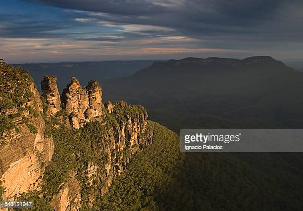 Three sisters sunset, Blue Mountains National Park